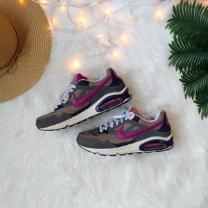 Nike Air Max Skyline Sneakers Size 9.5